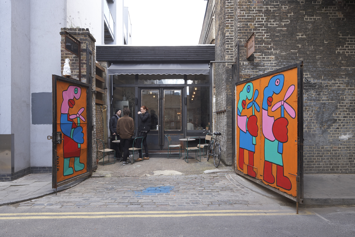 Thierry Noir Mural in Shoreditch, March 2014 (Image Marcus Peel -marcuspeelphotography.co.uk) 2