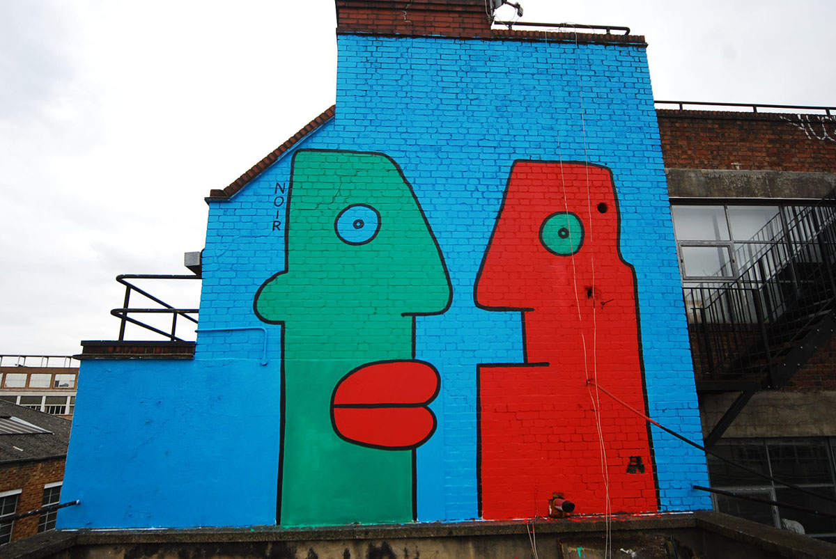 Thierry Noir - Shoreditch rooftop 2013 08-18-29-251